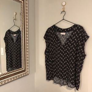 Universal Thread | Black, Diamond Pattern Blouse